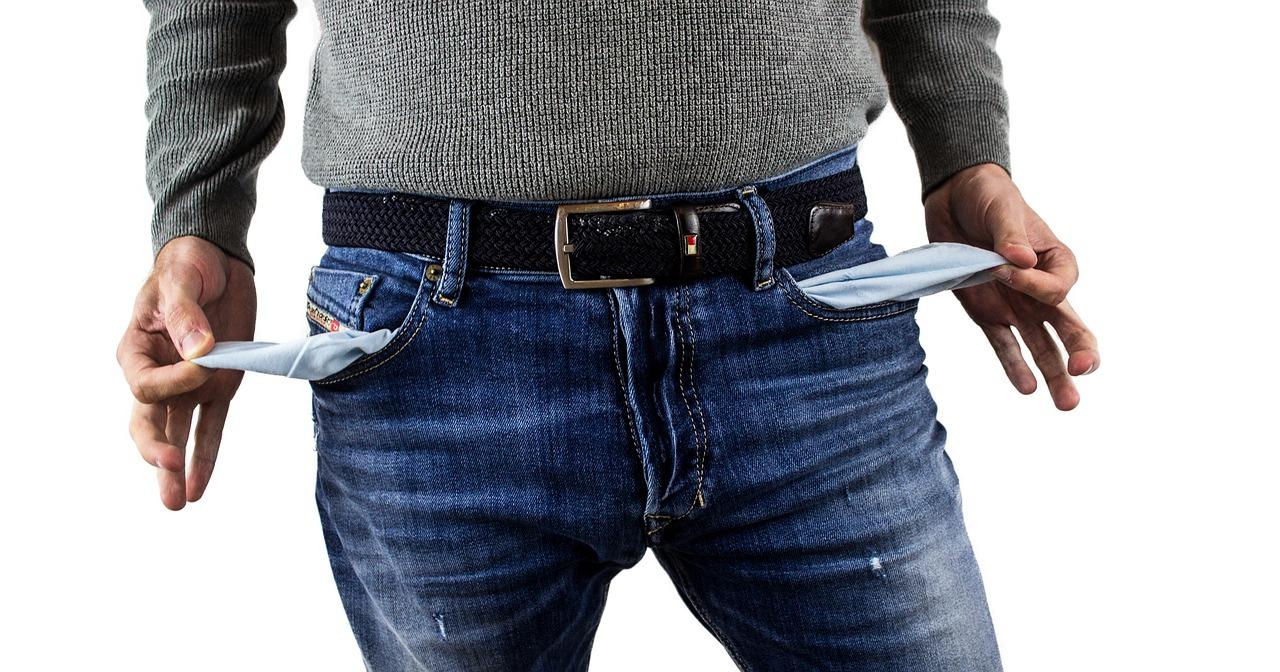 puste kieszenie spodni